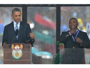 Ordenan internar en psiquiátrico a  intérprete del funeral de Mandela