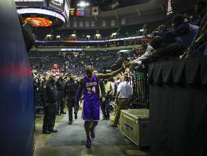 Kobe Bryant se vuelve a lesionar y será baja en Los Ángeles Lakers