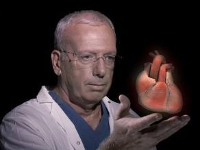 Trasplantan un corazón artificial con tejidos biológicos