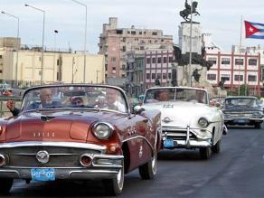 Adiós a los carros viejos, cubanos podrán comprar autos nuevos
