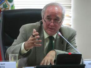 García Belaunde: ´El Apra quiere manejar la comisión López Meneses´
