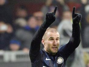 Inter se impuso en el clásico de Milán con un golazo de Rodrigo Palacio