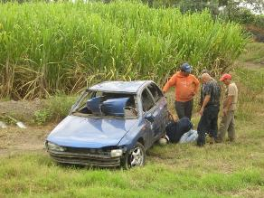 Huancavelica: vuelco de auto dejó seis personas heridas