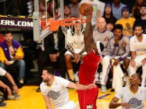 LeBron James y estrellas de la NBA estrenaron camisetas en Navidad
