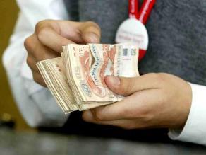 Analistas: Mejora de ingresos de la población será paulatina el 2014