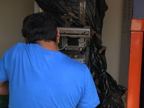 Cuatro sujetos roban cajero automático en grifo de Trujillo