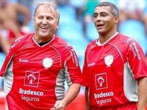 Romario marca tres goles en partido organizado por Zico en el Maracaná