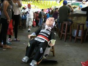 Trujillo: Venden piñatas de Michael Urtecho por fin de año