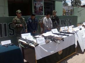 Fuerzas Armadas capturan vehículo con armamento en Ayacucho