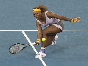 Serena Williams debuta en Brisbane con una victoria ante alemana Petkovic