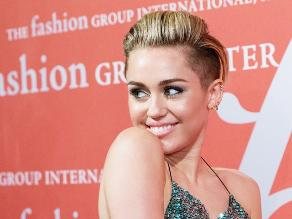 Afirman que Miley Cyrus es bisexual
