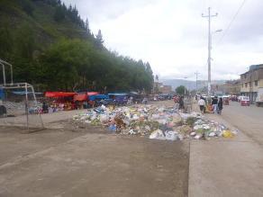 Andahuaylas: montículos de desechos luego de feria dominical