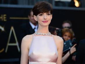 Anne Hathaway casi se ahoga en Hawaii