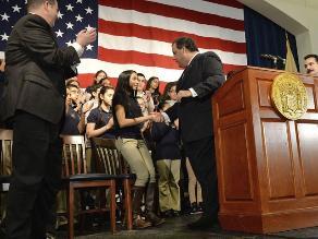 Nueva Jersey: Jóvenes indocumentados estudiarán como residentes legales
