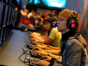 Piden a padres tener mayor control de hijos cuando usen videojuegos