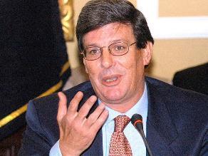 Fiscalía archivó denuncia de Rafael Rey contra ministro Cateriano