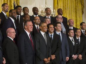 Barack Obama recibe en la Casa Blanca a los bicampeones de la NBA