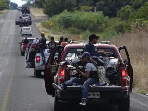 Autodefensas mexicanas dan bienvenida a comisionado especial