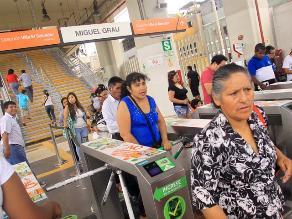Usuarios reclaman por nuevas tarjetas del Metro de Lima