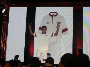 bb06419346e7c Universitario  nueva camiseta tiene ADN del Jose Luis ´El Puma´ Carranza