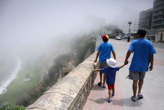 Senamhi: Neblina inusual de verano en Lima continuará hasta el miércoles