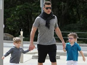 Ricky Martin busca la felicidad en compañía de sus hijos