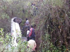 Andarapa: cuatro personas heridas en volcadura de vehículo