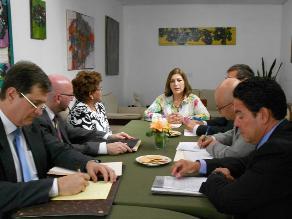 Eda Rivas dialoga con autoridades y gremios de Tacna por fallo de La Haya