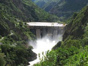 Barro y sedimentos afectaron central hidroeléctrica del Mantaro