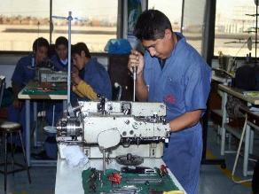 SENATI contribuyó en formación de 63 mil técnicos industriales en 60 carreras