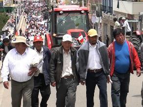 Regantes marchan exigiendo construcción de la represa de Yanacocha