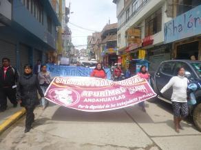 Trabajadores judiciales marcharon en Andahuaylas por paro de 48 horas