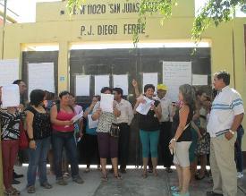 Chiclayo: Cierran colegio para frustrar reunión entre padres y Ugel