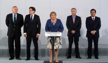 Bachelet anuncia futuro gabinete: Heraldo Muñoz será el canciller