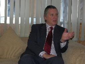 Embajador peruano destaca ambiente de tranquilidad en Santiago