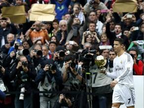 Cristiano Ronaldo ofreció Balón de Oro a hinchas en el Santiago Bernabéu