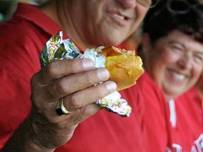 Prohíben venta de comida chatarra cerca a colegios en el Rímac