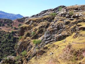 Pobladores invaden terrenos peligrosos en el Cusco