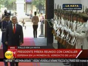 Piñera arribó a La Moneda para esperar lectura de sentencia de La Haya