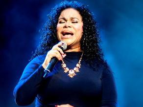 Eva Ayllón brindó concierto a peruanos y chilenos en Santiago