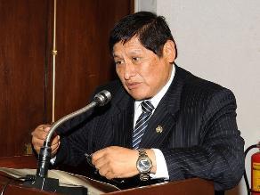 Congresista Juan Pari solicita trabajar por Tacna tras fallo de La Haya