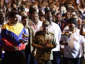 Minuto de silencio en homenaje a Chávez en inicio de Cumbre Celac