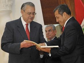 Allan Wagner entregó fallo de la Corte de La Haya a presidente Humala
