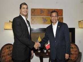 Correa felicita a Perú y Chile por superar diferendo en forma pacífica