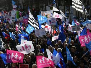 Francia: Miles de personas protestan contra el matrimonio homosexual