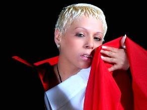 Cantante Lucía de la Cruz abandonó sede de requisitorias