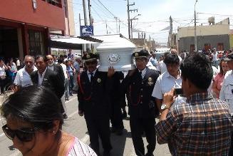 En cementerio ´El Ángel´ de Lambayeque sepultan a Miss Pimentel