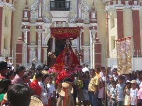 Danzantes se preparan para celebraciones de la Virgen de la Candelaria