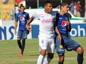 Hinchas se agarran a golpes y empañan el clásico del fútbol hondureño