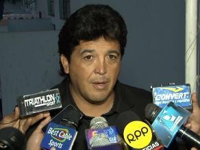 Acasiete respalda a Víctor Rivera como técnico de Perú ante Inglaterra